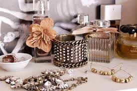How To Decorate Perfume Bottles Live Vintage Perfume Bottles as Decoration thought i might 6