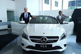It has come up with an investment of inr 8.2 crores and is spread across12,000 sq. Mercedes Benz India Opens Its First Dealership In Vijayawada Andhra Pradesh Auto News Et Auto