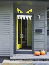 Good Idée De Décoration Pour Halloween Pour La Porte Du0027entrée  Monstre En Papier
