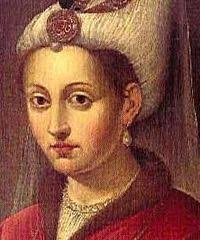 Nebahat Çehre = Ayse Hafsa (Valide) Sultan (Kanuni'nin annesi, Yavuz Sultan Selim'in esi) - 200px-khourrem