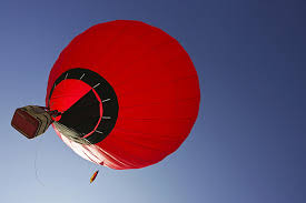 фактов о воздушных шарах Всё что нужно знать о Вопрос  10 Обычные туристические полеты длятся пару часов и за это время шар успевает пролететь от нескольких километров до нескольких десятков километров