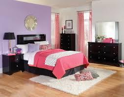 Standard Furniture Marilyn Black Headboard W/ Mirrored Inset In Glossy Black