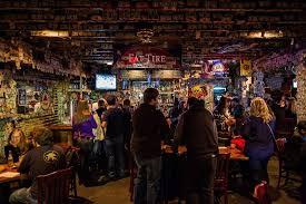 Best Dive Bars in Charleston: Where to Find Good Neighborhood Bars -  Thrillist