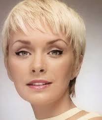 Krátký účes Pro Tenké Vlasy Může Vypadat Stylově