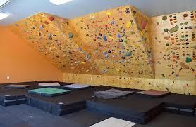 10 amazing home climbing walls