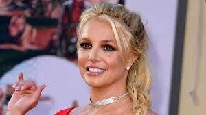 Britney Spears explains topless posting ...