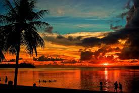 フリー写真素材自然風景海ビーチ砂浜人と風景夕日夕焼け日