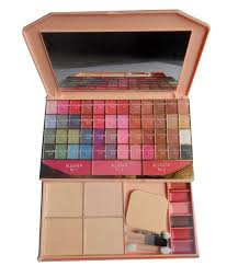 makeup palettes makeup palettes at best s in india on snapdeal herbal makeup kit