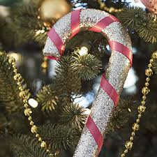 Christmas Decorations With Candy Canes Make Candy Cane Christmas Ornaments Christmas Decorations 57