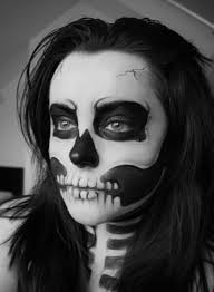 skull themed makeup soooo want to do this finis year in 2018 makeup and skull makeup