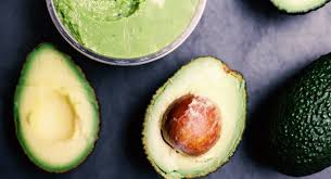 diy avocado hair mask for frizzy dry and damaged hair