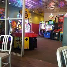 photo of round table pizza modesto ca united states has play room