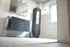 Badezimmer Mit Extragroßen 1 Meter Langen Fliesen