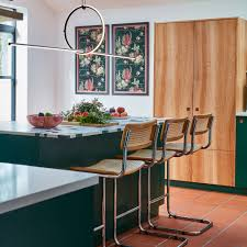 Showing your style through your wall decor is an important ingredient of making your kitchen feel warm and personal. Kitchen Wall Decor Ideas Easy And Affordable Ways To Style Your Space