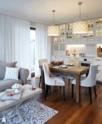 50 m2 nowego jorku mała biała jadalnia w kuchni w salonie styl nowojorski zdjęcie od wz studio