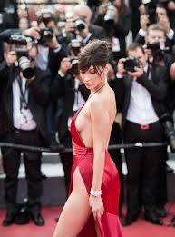 Bella Hadid Cannes en robe ultrafendue ou rien Madame Figaro