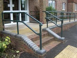 Daher ist es ratsam bei einer treppe für den eingangsbereich auch den pflegeaspekt zu berücksichtigen. Barrierefrei Bauen Din 18024 1 Treppe Rampe Aufzug
