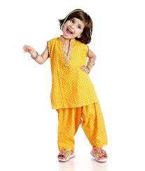 Pakistani Kids Salwar Kameez Designs Kids Salwar Kameez And Moms Salwar Kameez Indian Dresses