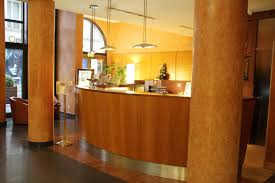 industry expert your front desk team is key to meeting adr hotel front desk