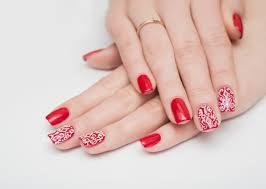 指先を美しく見せる赤ネイルのおすすめデザインまとめ おすすめ旅行を
