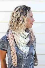 Crochet Scarf Pattern Free Awesome Free Caron Cakes Crochet Pattern Desert Winds Triangle Scarf