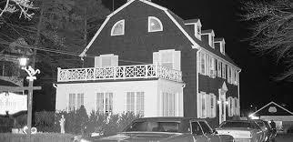 il y a eu beaucoup de films qui plongent dans l histoire de cette maison hantée emblématique