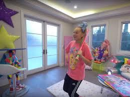 Jojo siwa's house is seriously epic. Video 16 Year Old Jojo Siwa S Mansion Tour On Youtube