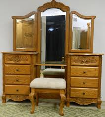 Oakwood Interiors Bedroom Furniture Surewood Summit