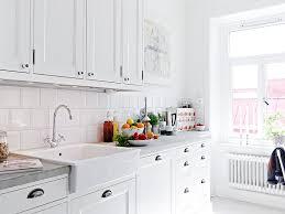 Image Kitchen Backsplash Homedit Kitchen Subway Tiles Are Back In Style 50 Inspiring Designs