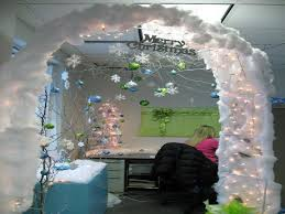christmas decorating ideas office. Interior Stunning Cubicle Decor Ideas For Home Office Christmas With Lighted White Cotton Snow Gate And Decorating