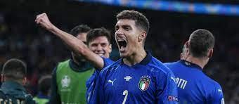 Man United prepare £17 million bid for Napoli's Giovanni Di Lorenzo - Man  United News & Transfer News