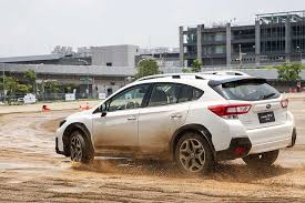 2018 subaru crosstrek silver. beautiful crosstrek first impressions 2018 subaru xv intended subaru crosstrek silver e