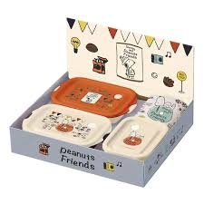 made in gift set 1 500 yen skater food container hand towel gift set 1 500 yen snoopy peanuts an