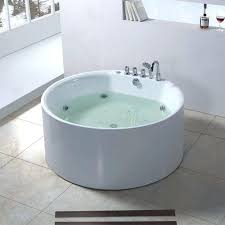 round soaking tub. Japanese Soaking Tubs With Seat 6 Cool For Small Bathrooms Ideas Photograph Round Tub W