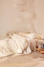 Chic Floor Bed Ideas and Inspiration – domino