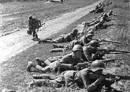 Начальный период Великой Отечественной войны гг  К июню 1941 г Вторая мировая война втянув в свою орбиту около 30 государств вплотную подошла к границам Советского Союза На Западе не оказалось силы