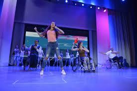 Дипломная работа студентки ВГУЭС дала начало танцевальному проекту  Дипломная работа студентки ВГУЭС дала начало танцевальному проекту Движение без границ