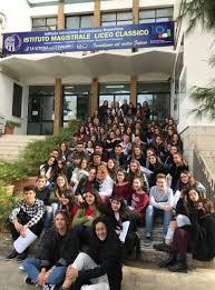 Chi siamo - LICEO RITA LEVI MONTALCINI - Scuola in Chiaro