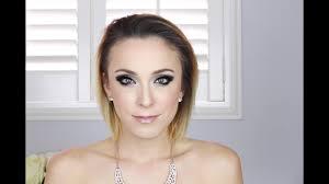 carrie underwood makeup grammys 2016