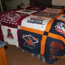 Thick, heavy, made out of sweatshirts, house-divided quilt ... & Thick, heavy, made out of sweatshirts, house-divided quilt. Alabama/ Adamdwight.com