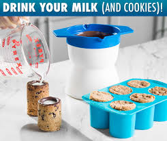 drink your milk and cookies