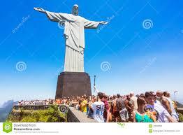 Turisti Alla Statua Del Redentore Di Cristo In Rio De Janeiro, Brasile  Immagine Editoriale - Immagine di posti, cattolico: 70005295