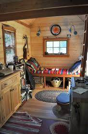 Tiny House Interior Breakingdesignnet - Very small house interior design