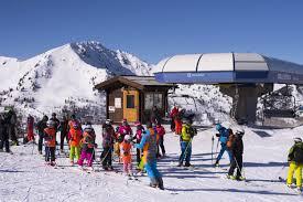 Piemonte: Regione pronta alla riapertura degli impianti da sci al 30%, si  valuta il 50% - LaPresse