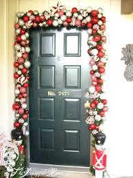 how to hang garland around front doorFront Door cool garland around front door design Hanging Garland