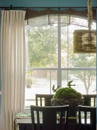 The second idea to make your family room gets a different and stylish look  at the same time is a valance. As you know that a valance is typically with  small ...