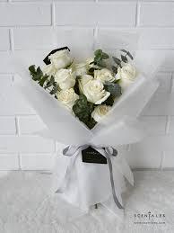 minimalist white rose flower bouquet