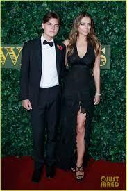 Elizabeth Hurley Praises Son Damian's Debut on 'The Royals': Photo 3830404  | Celebrity Babies, Damian Hurley, Elizabeth Hurley, The Royals Pictures