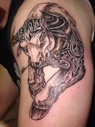 фото тату бегущий бык с узорами татуировки и эскизы животные