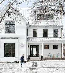 White Modern Farmhouse This white modern farmhouse also features ...
